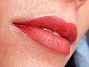 Татуаж губ Эффект помады в студии Лилии Паниткиной